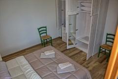 ferienhaus-gardasee-seeblick-schlafzimmer-03