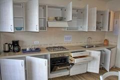 ferienhaus-gardasee-seeblick-wohnzimmer-balkon-04