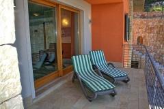 ferienhaus-gardasee-seeblick-ferienwohnung-perla-balkon-zum-see-07