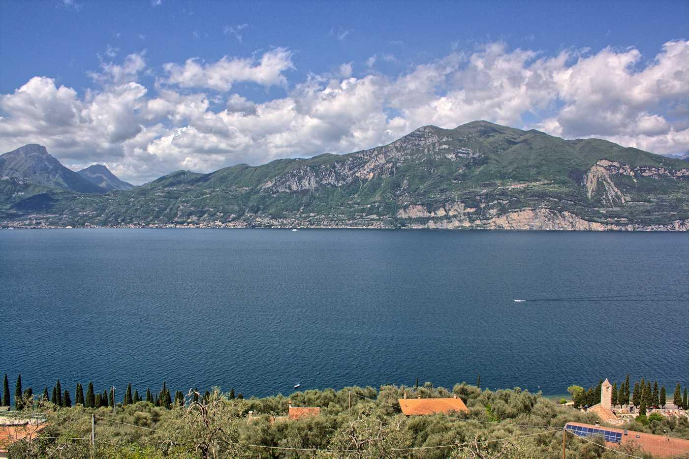 Blick vom Balkon in Richtung Gardasee